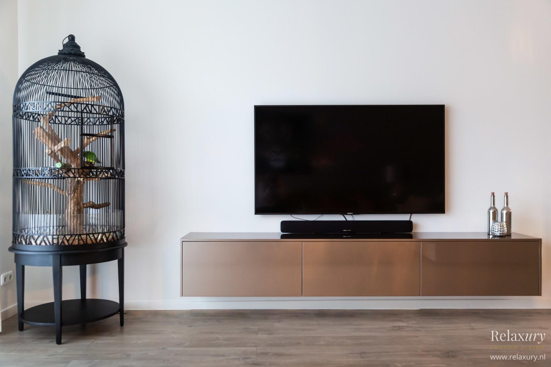 Luxe-tv-meubel-op-maat-brons