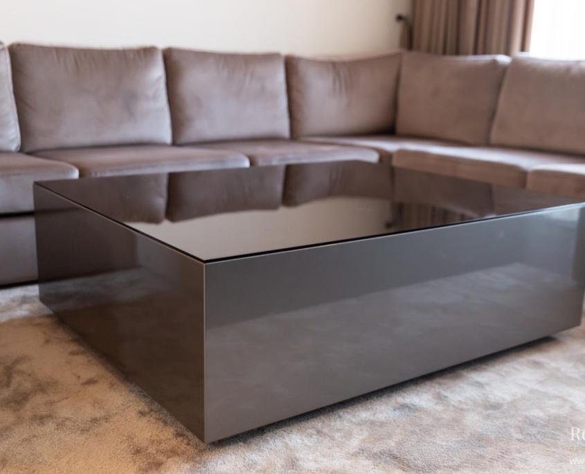 Hoogglans salontafel blok bruin