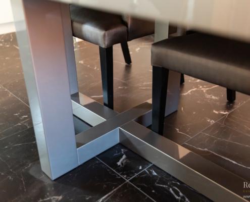 Taupe tafel frame detail